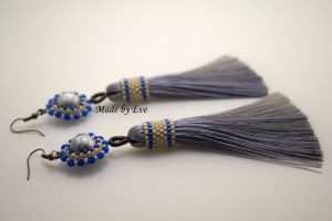 earings with a tassel