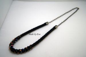 Glossy necklace with polish fire beads