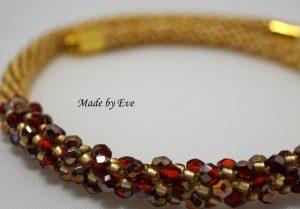 czerwono-złoty naszyjnik