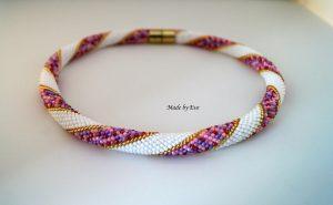 Biżuteria w kolorach peoni