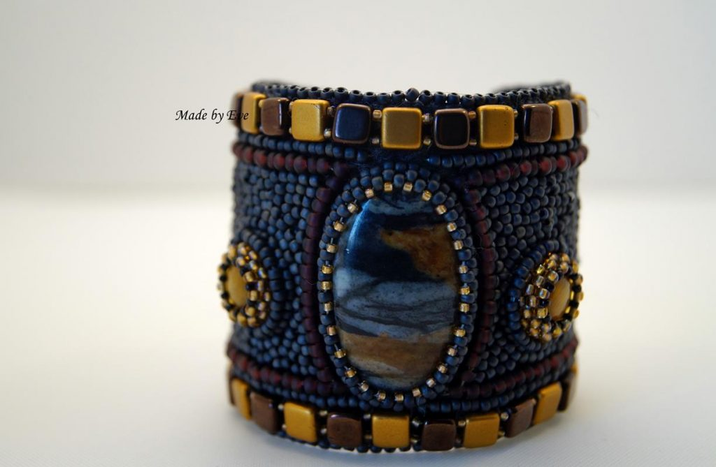 Bracelet with a stone