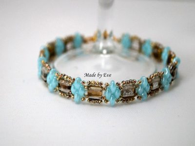 Gold-turquoise set of jewelry with tile beads